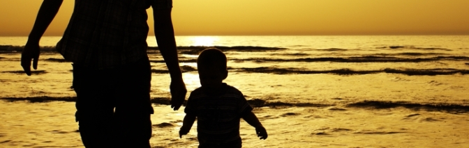 dad-and-child-sunset